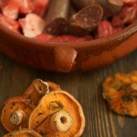 Cuina Menorquina – Carn de porc amb esclata-sangs