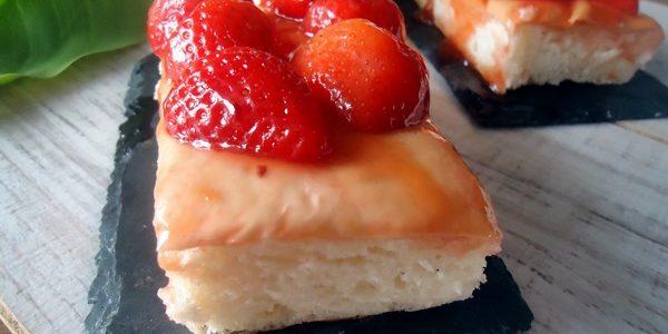 Cómo preparar coca dulce de fresas